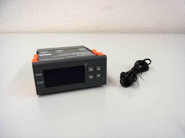24V専用 デジタル温度計 サーモスタットコントロールスイッチの写真です。