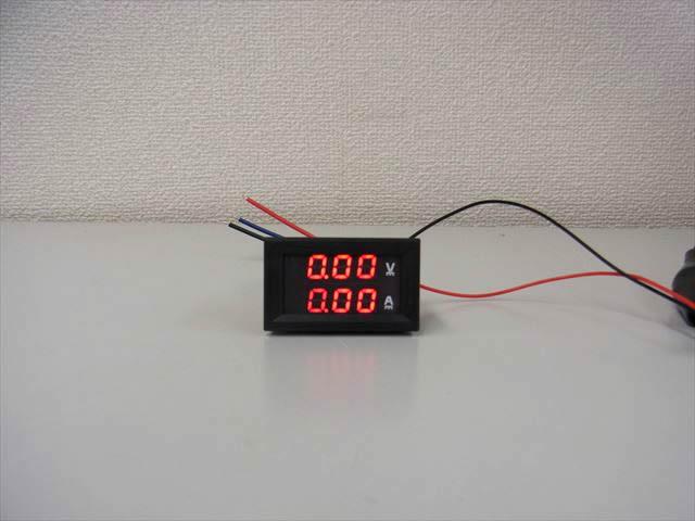 デジタル電圧計&電流計 パネルメーター(10A:DC0V-100V) ※赤の写真です。