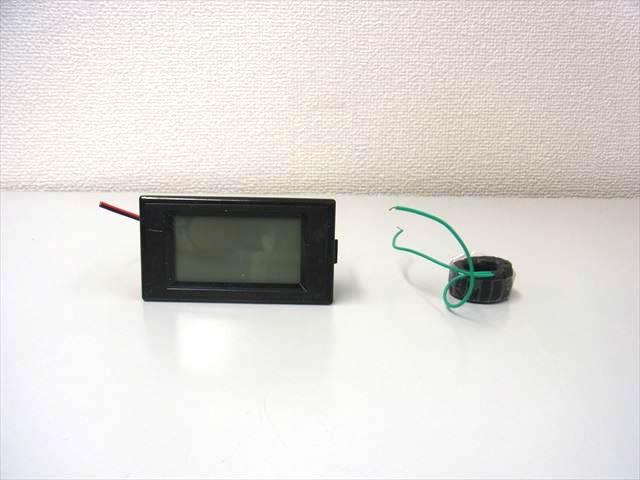 AC用デジタル電圧計&電流計(100A:AC100V〜300V)の写真です。