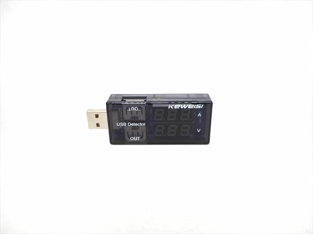 USB 充電電圧計&電流計デジタルメーター ※2ポートの写真です。