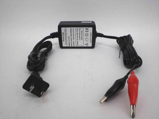 リチウムイオンバッテリー充電器 HL1016(16.8V:0.7A) ※14.4V/14.8V用の写真です。