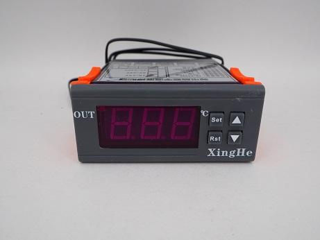 12V専用 デジタル温度計 サーモスタットコントロールスイッチの写真です。