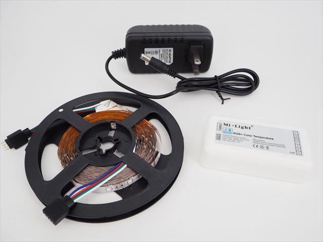 DC12V用 RGB LEDテープライト+Bluetooth LEDコントローラー ※ACアダプター付きの写真です。