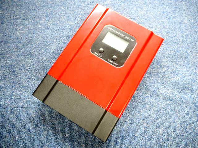 MPPTチャージコントローラー eSmart3-40Aの写真です。