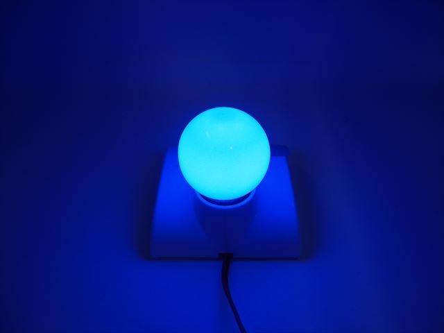 12V専用 E27(E26) 3W LEDバルブライト ※青の写真です。