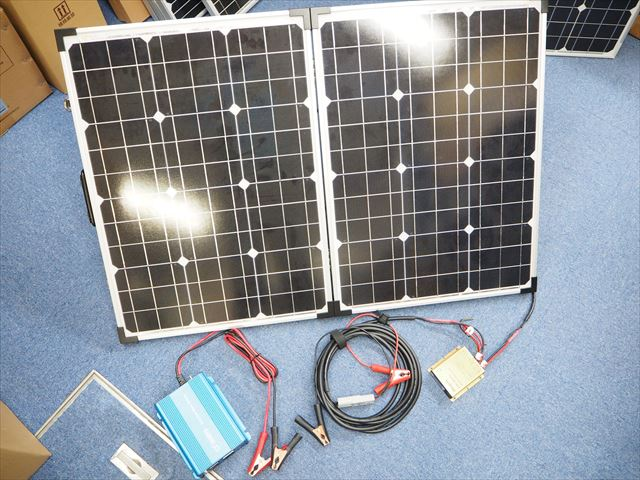 緊急災害用 折り畳み式ソーラーパネル50W×2+防水MPPTチャージコントローラー10A+正弦波インバーター SK200(12V)