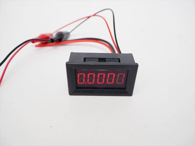 デジタル電流計パネルメーター(DC0〜3.0000A)赤 ※電源DC4V〜28Vの写真です。