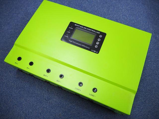 MPPTチャージコントローラー IPANDA Master1-100Aの写真です。