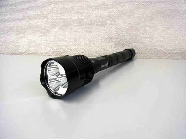 TrustFire LEDフラッシュライト TR-3T6 CREE XML T6 3800LMの写真です。