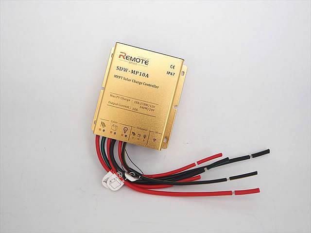 防水MPPTチャージコントローラー SDW-MP-1024(10A)の写真です。