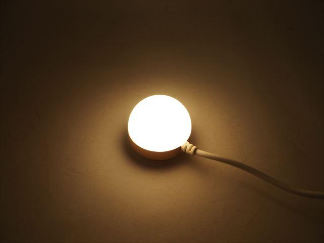 USB専用 2.5W マグネット式LEDライト ※ON/OFFスイッチ付 Yellowの写真です。