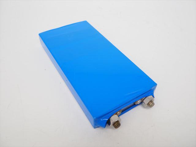 リン酸鉄リチウムイオンバッテリー 3.2V10Ah lifepo4の写真です。