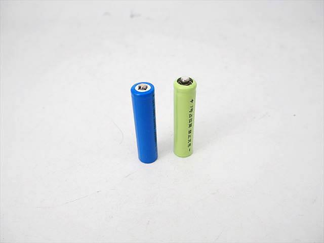 リン酸鉄リチウムイオン電池 10440(3.2V:500mAh)+ダミー電池セットの写真です。