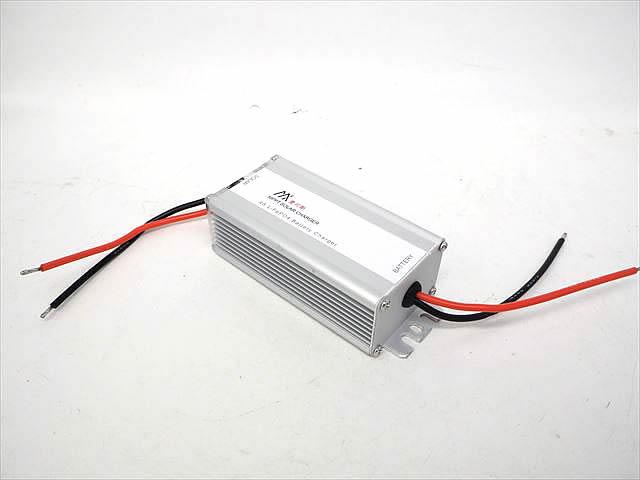 MPPTチャージコントローラー 4S LifePO4 バッテリーチャージャー(10A)の写真です。