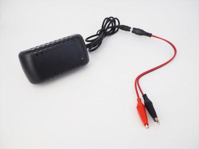 リチウムイオンバッテリー充電器 SJT-30W(16.8V:2A) ※14.4V/14.8V用の写真です。