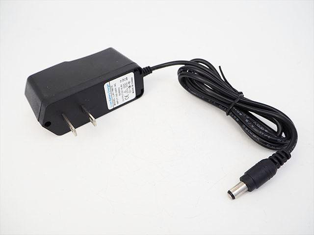 リチウムイオンバッテリー充電器 LJH-16810(16.8V:1A) ※14.4V/14.8V用の写真です。