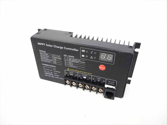 MPPTチャージコントローラー MT2410N10(10A)の写真です。