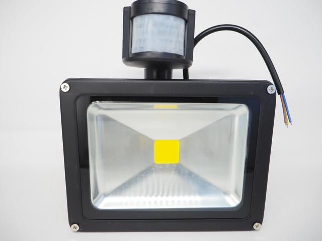 AC85〜265V用 30W モーションセンサー付 防水LEDライト ※Warm White(黒)の写真です。