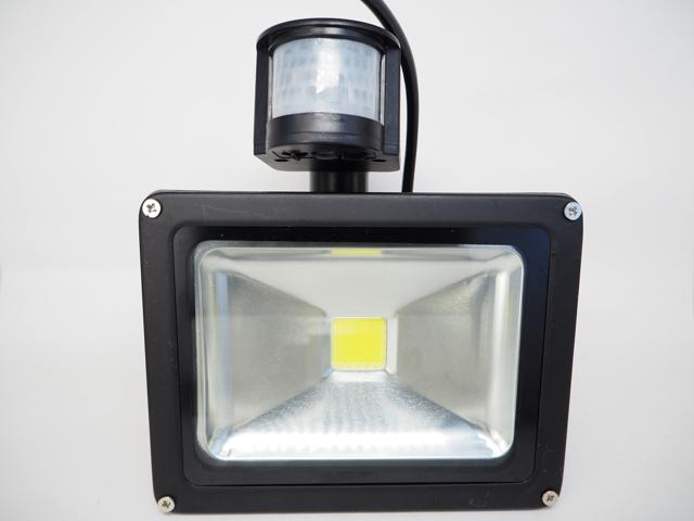 AC85〜265V用 30W モーションセンサー付 防水LEDライト ※White(黒)の写真です。