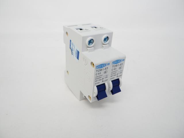 AC240V〜400V用 手動転送スイッチ TOB1-63(63A)※50Hz/60Hzの写真です。