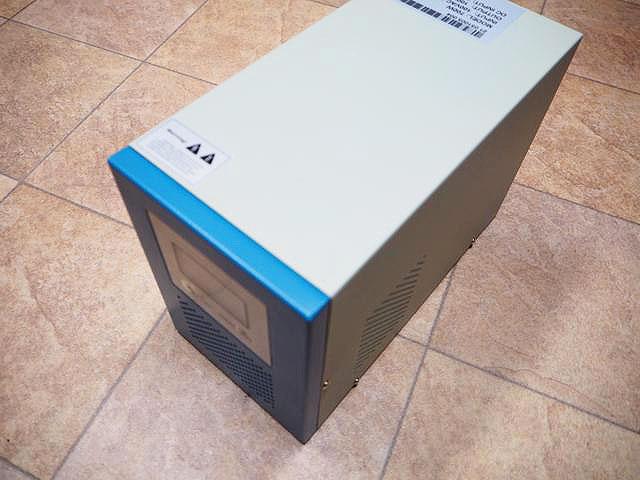 転送スイッチ付き充電器内蔵正弦波インバーター FT-700(700W:DC24V)