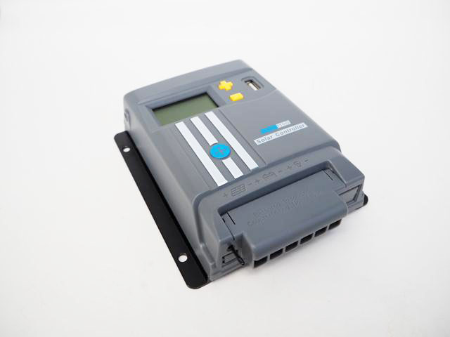 MPPTチャージコントローラー MPPT110D-WIFIの写真です。