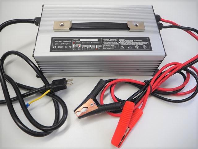 リン酸鉄リチウムイオン(Lifepo4)バッテリー充電器 GT1500WD 40A(29.2V) ※バッテリークリップ付きの写真です。